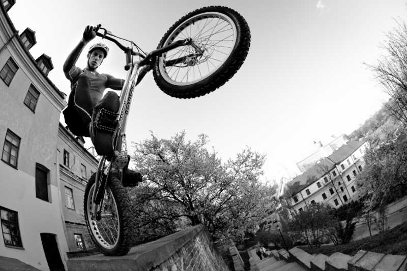 Karol serwin zumbi cycles