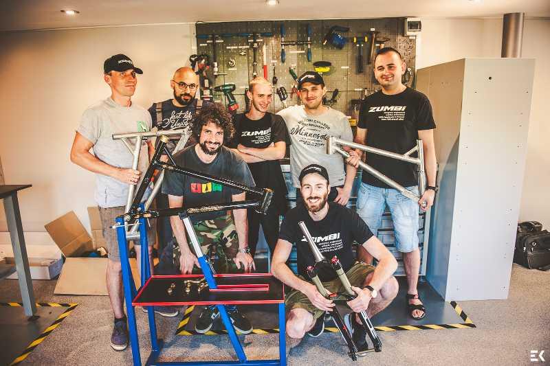 zumbi cycles team